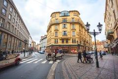 25 01 2018年布拉格,捷克Respublic -徒步游览的老汽车 免版税图库摄影