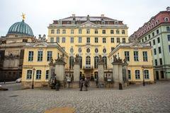 22 01 2018年德累斯顿,德国-在平方的Neumarkt的五颜六色的大厦 免版税库存照片