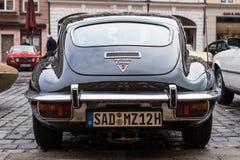 1972年捷豹汽车E型的老朋友汽车 库存照片