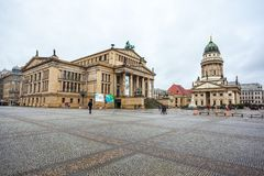 25 01 2018年柏林,德国-著名Gendarmenm全景  库存照片