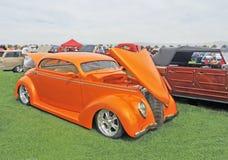 1937年福特小轿车成套工具汽车 免版税库存照片