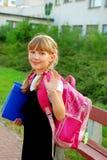 年轻人的女孩去的学校 图库摄影