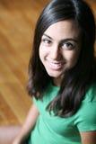 年轻人的美丽的接近的女孩印地安人 库存图片