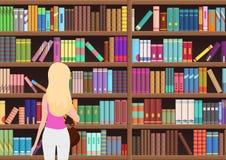 年轻人相当白肤金发的妇女在图书馆里选择一本书 vectror例证 皇族释放例证