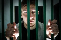年轻人被拘留 库存照片