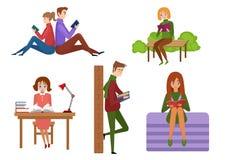 年轻传染媒介人阅读书用不同的地点 有书的学生 皇族释放例证