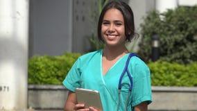 年轻愉快的女性护士 股票视频