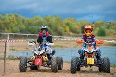 年轻摩托车骑士 免版税库存图片