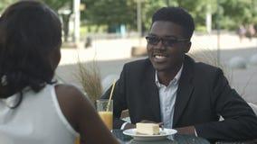 年轻断裂的企业美国黑人的人民 影视素材
