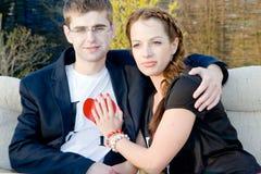 年轻爱浪漫夫妇 图库摄影