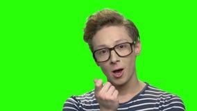 年轻男孩有想法 股票录像