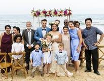 年轻白种人夫妇` s婚礼之日 库存照片