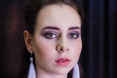 年轻美丽的白种人妇女时尚画象  免版税图库摄影
