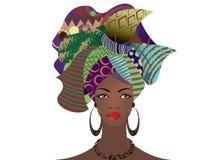 年轻非洲妇女的画象一条五颜六色的头巾的 包裹蓬松卷发时尚,安卡拉, Kente, kitenge,非洲妇女礼服 皇族释放例证