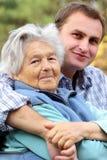 年长孙子她的妇女 免版税库存图片