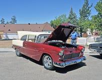 1955年雪佛兰贝耳亚耳轿车 库存照片
