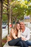 年龄有吸引力的夫妇中间名 库存图片