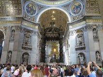19 06 2017年,梵蒂冈:圣保罗` s与c的大教堂内部 库存图片