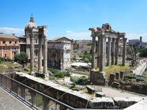 19 06 2017年,罗马,意大利:废墟美丽的景色著名罗马 图库摄影