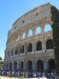 19 06 2017年,罗马,意大利:游人人群敬佩伟大的Rom 库存图片
