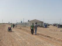 22 05 2017年,Kawergosk,伊拉克 :过度拥挤的难民营在有逃跑从的难民的伊拉克是或伊斯兰教国家 免版税库存图片