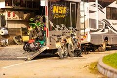 01 04 2018年 2014 2018场杯子比赛奥林匹克俄国索契冬天世界 摩托车车间修理关于轮子的 库存照片