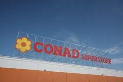 2018年3月14日超级市场conad, pescara 库存图片