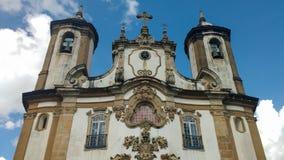 2016年3月25日,历史的市欧鲁普雷图,米纳斯吉拉斯州,巴西,我们的卡尔穆的夫人教会的门面的细节  免版税图库摄影