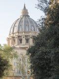 2018年4月19日,罗马,通过alla Stazione, St, peters圆顶预言 免版税图库摄影