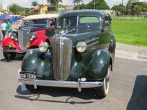 2018年4月08日, JacareÃ,圣保罗巴西,老绿色前面特写镜头,恢复在古董车陈列 免版税库存照片