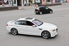 2013年11月3日 基辅,乌克兰;BMW在行动的M5 F10 免版税库存图片