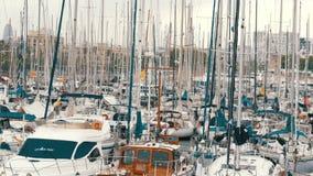 2017年9月22日-巴塞罗那,西班牙:新的游艇在口岸 影视素材
