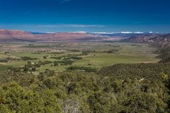 2017年4月27日-矛盾科罗拉多-矛盾谷全景在Montrose的科罗拉多 风景,颜色图象 免版税库存照片