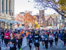 2018年11月4日-纽约-美国-人们跑新 库存照片