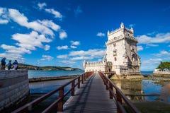 2017年7月10日-里斯本,葡萄牙 贝拉母塔-在一个海岛上的被加强的大厦在河塔霍河 库存图片