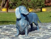 2018年10月12日 Izhevsk,俄国 纪念碑狗达克斯猎犬 免版税库存图片