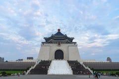 2018年4月21日- Teipei,台湾:参观全国中正纪念堂的未知的游人 库存照片
