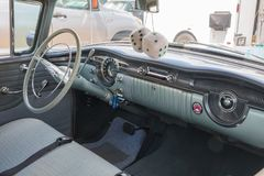 1954年Oldmobile汽车内部 免版税库存照片
