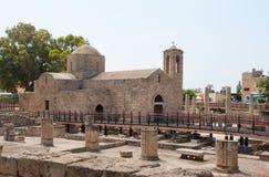 并且一个古老教会的废墟 库存图片
