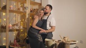 幸福家庭一个创造性的联合假期 股票录像