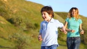 幸福家庭本质上、妈妈和儿子 影视素材