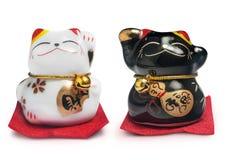 幸运的中国猫被隔绝在白色背景 免版税库存照片