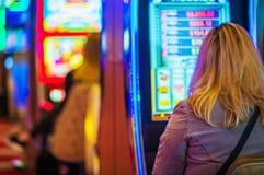 幸运赌博娱乐场球员 免版税库存图片