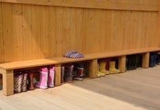 幼儿园-鞋子的空间 库存照片
