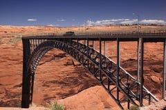 幽谷峡谷水坝桥梁 免版税库存图片