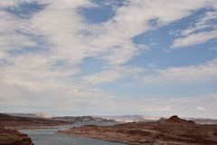 幽谷峡谷水坝背景视图 免版税库存照片