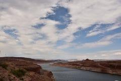 幽谷峡谷水坝背景视图 库存照片