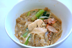 广东样式油煎了在蛋小汤的kueh teow 免版税库存图片