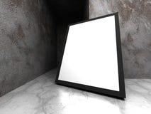 广告广告牌在黑暗的混凝土墙室 库存照片