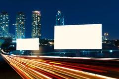 广告牌夜或户外广告 免版税库存图片